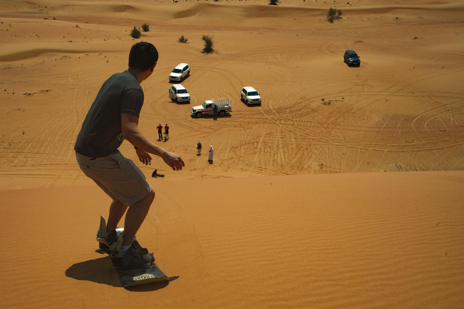 A Desert Safari in the Dubai Desert – Warm Fun Adventures!