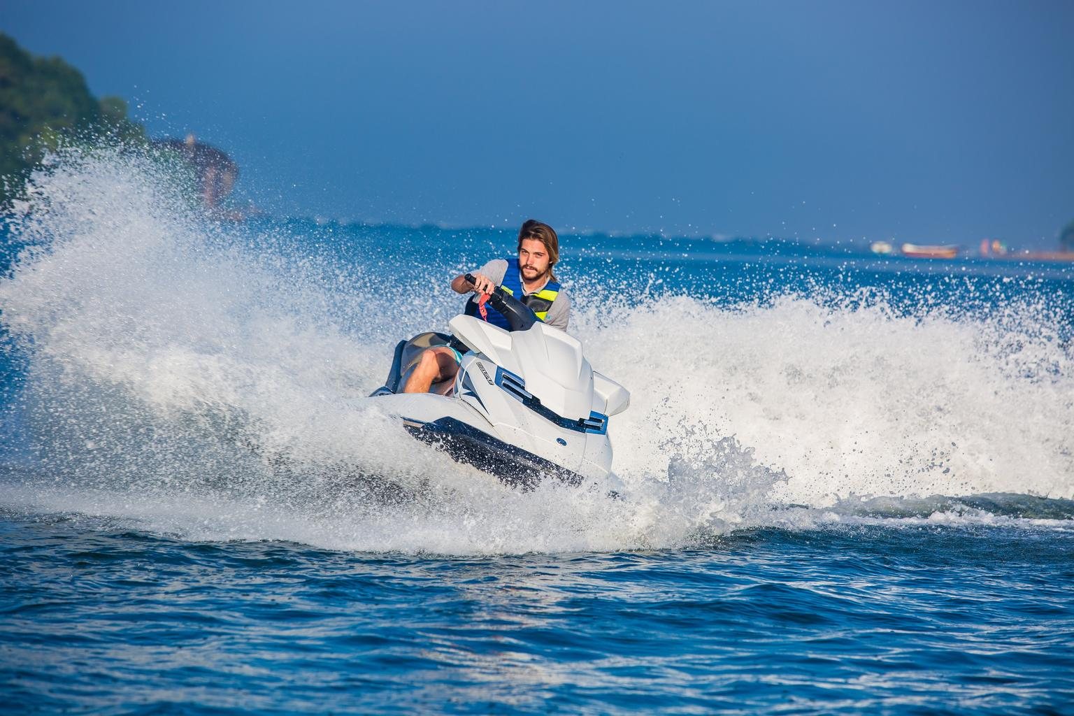 Extreme Water Sports to try out in Kalutara – Adrenaline Pumping Activities