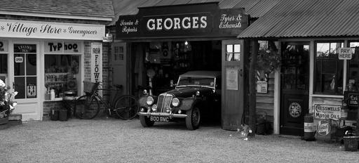 vintage-car-garage-shop-sign-376539.jpg