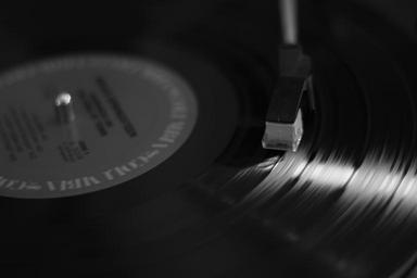 music-spinning-vinyl-play-1283020.jpg