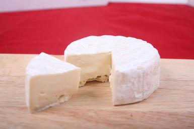 cheese-brie-cheese-food-630511.jpg