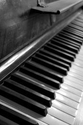 piano-music-keyboard-play-piano-453780.jpg