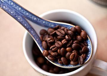 coffee-coffee-beans-grain-coffee-674576.jpg