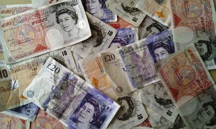 money-currency-finance-wealth-351078.jpg