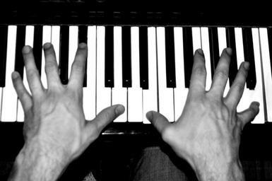 piano-music-instruments-hands-1681539.jpg