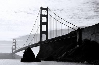 Golden_Gate_Bridge_Monochrome.jpg