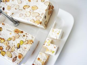 nougat-candy-candy-bar-eat-sweets-1206707.jpg