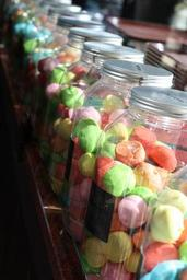 candy-eat-food-sugar-pastry-shop-1590767.jpg