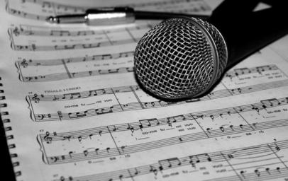 microphone-music-score-song-805256.jpg