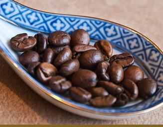 coffee-grain-coffee-coffee-beans-892201.jpg