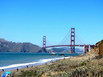 golden-gate-bridge-pacific-ocean-1107499.jpg