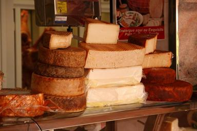 cheese-cheese-counter-market-food-240825.jpg