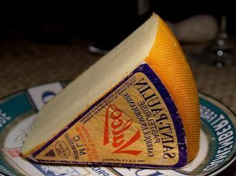 Saint Paulin cheese.jpg
