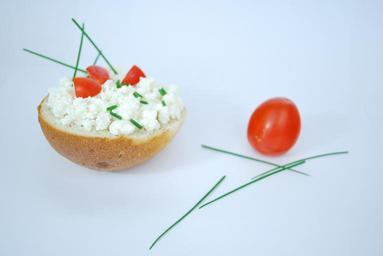 cream-cheese-cheese-tomato-red-181529.jpg