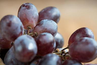 grapes-red-red-grapes-ripe-sweet-1401599.jpg