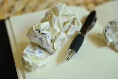 leave-notes-paper-ball-office-839225.jpg