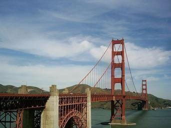 golden-gate-bridge-san-francisco-528302.jpg