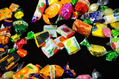 candy-hand-made-sweets-treat-295601.jpg